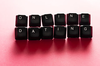 online dating lesbian image