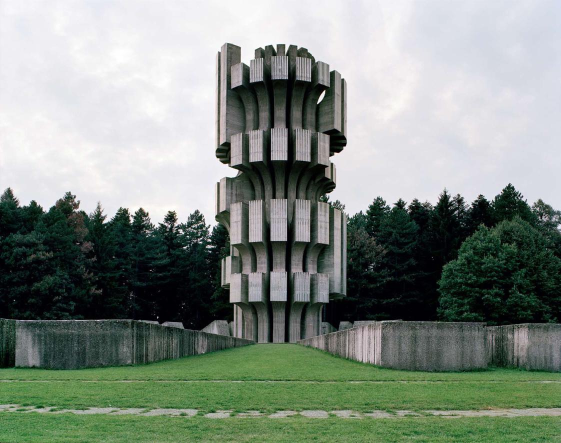 Construcciones socialistas de aspecto futurista Spomenik_06