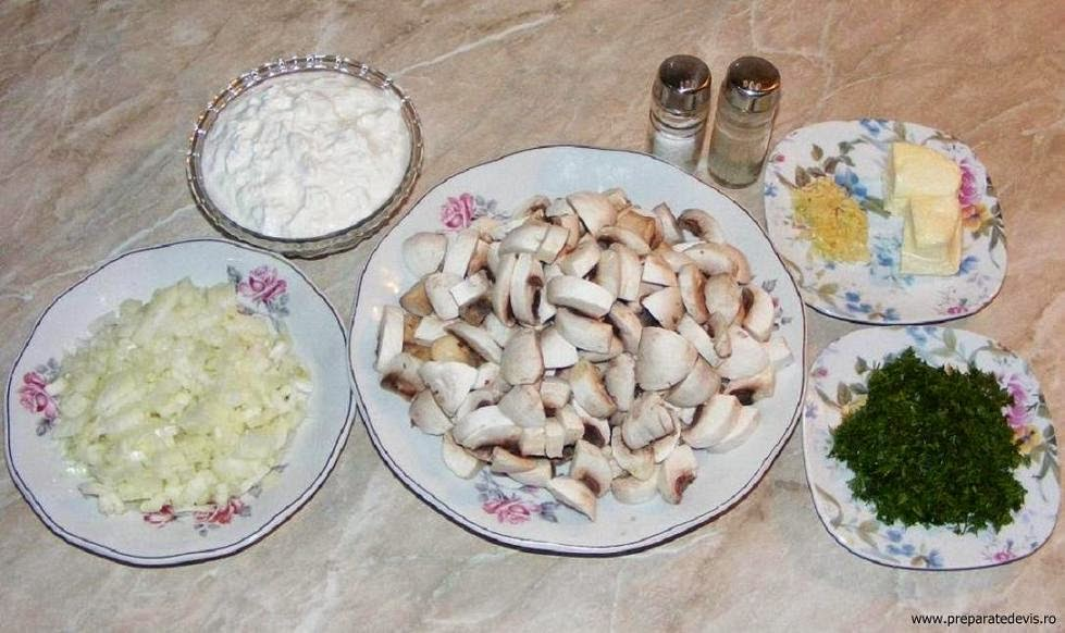 ingrediente pui la ceaun cu tocanita de ciuperci si smantana, ingrediente pui la ceaun cu ciulama de ciuperci si smantana, retete culinare, retete de mancare,