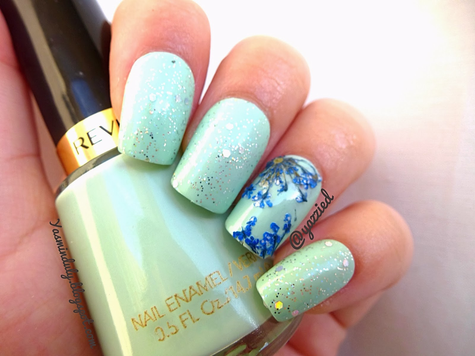 Yasmin\'s Blog: Dried Flowers Nails