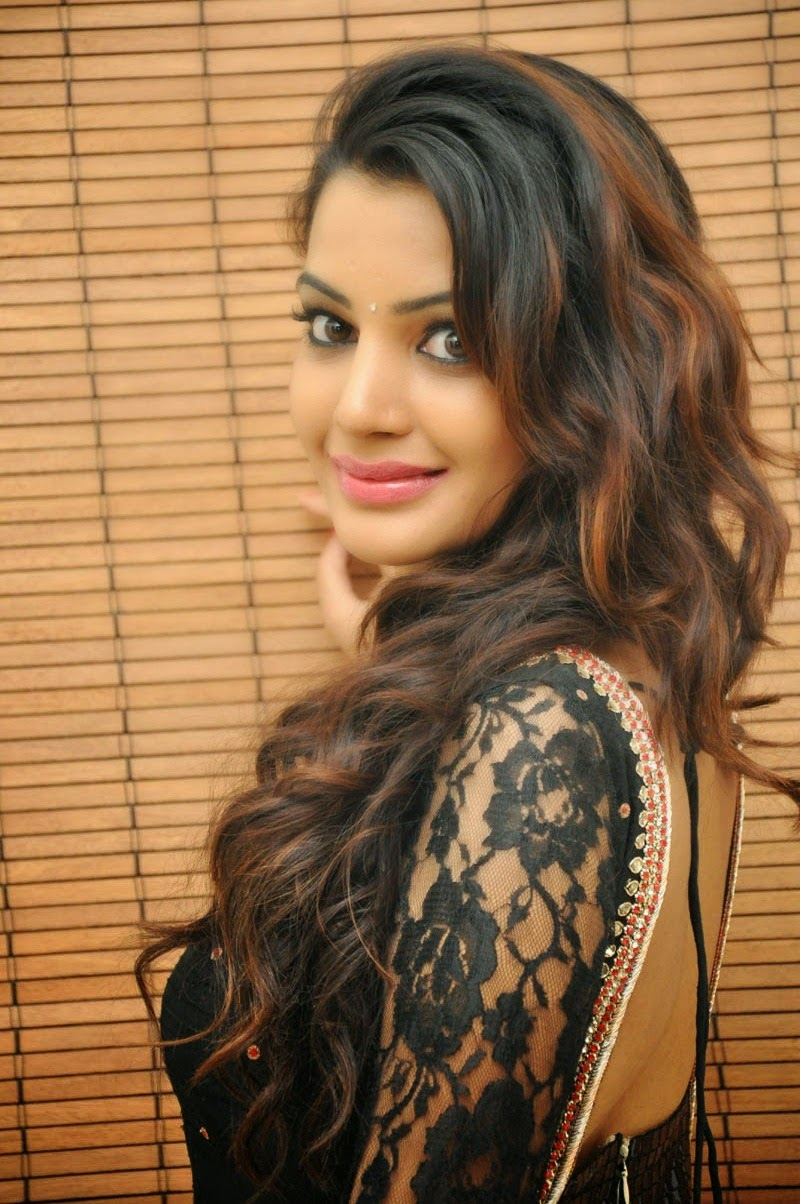 Diksha Panth at Gopala Gopala Audio Launch Event