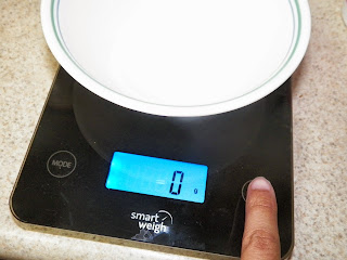 Smart_Weigh_Tempered_Glass_Touch_Digital_Kitchen_Scale.jpg