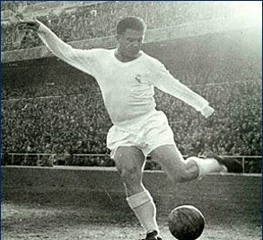 Puskas shots on goal