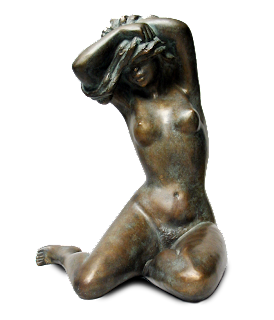 Statue femme nue assise