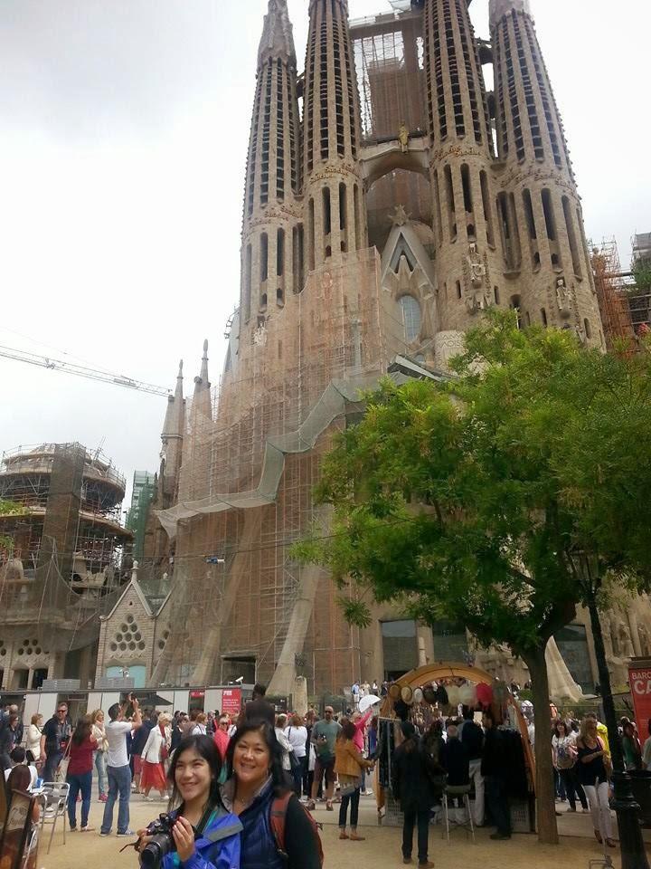My name spelled backwards is sagrada familia for Kathedrale barcelona gaudi
