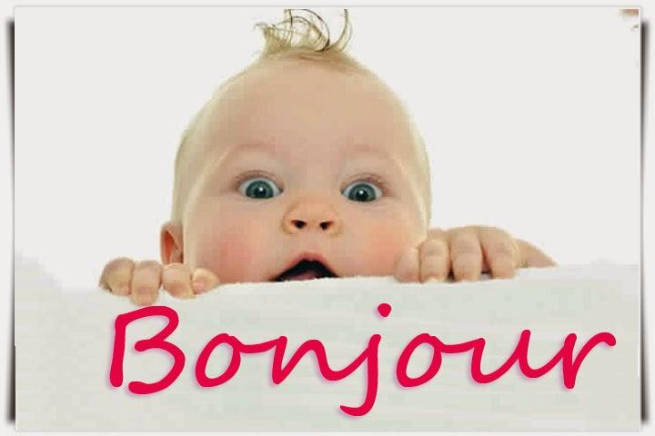 Photo bébé avec joli yeux dire bonjour