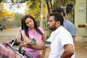 Kakathiyudu movie Photos-thumbnail-12