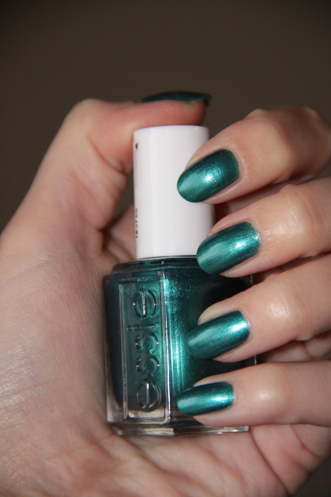Vernis Essie bleu vert turquoise, Trophy Wife, nail art dotting tool