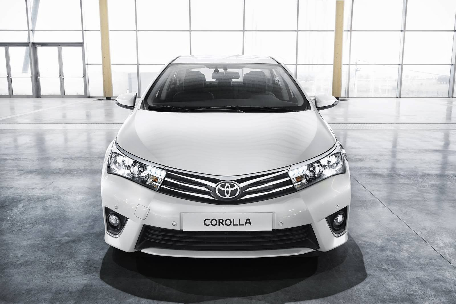 Toyota Corolla 2014 Front View