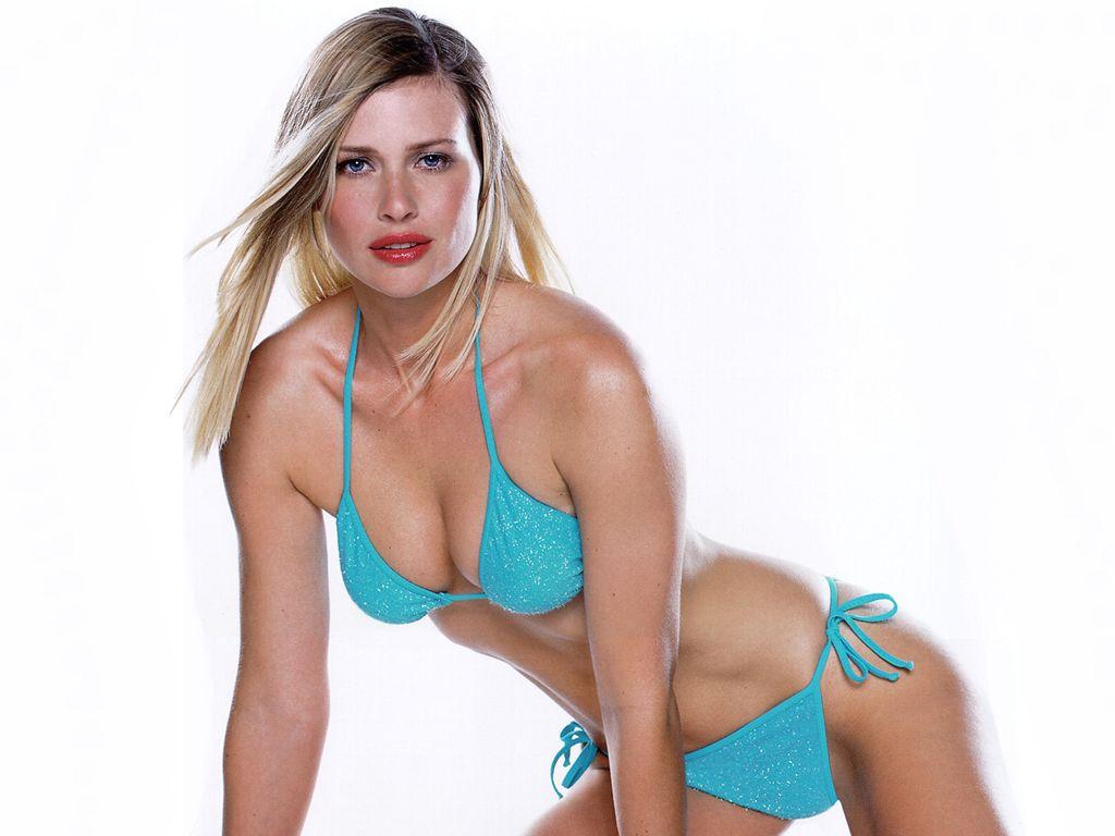 http://4.bp.blogspot.com/-5NbJBjDTuto/TYzLsFkdKLI/AAAAAAAALns/YWa9Lkc_g_w/s1600/Hot_model_Daniela_Pestova_Wallpaper%2B%25283%2529.jpg