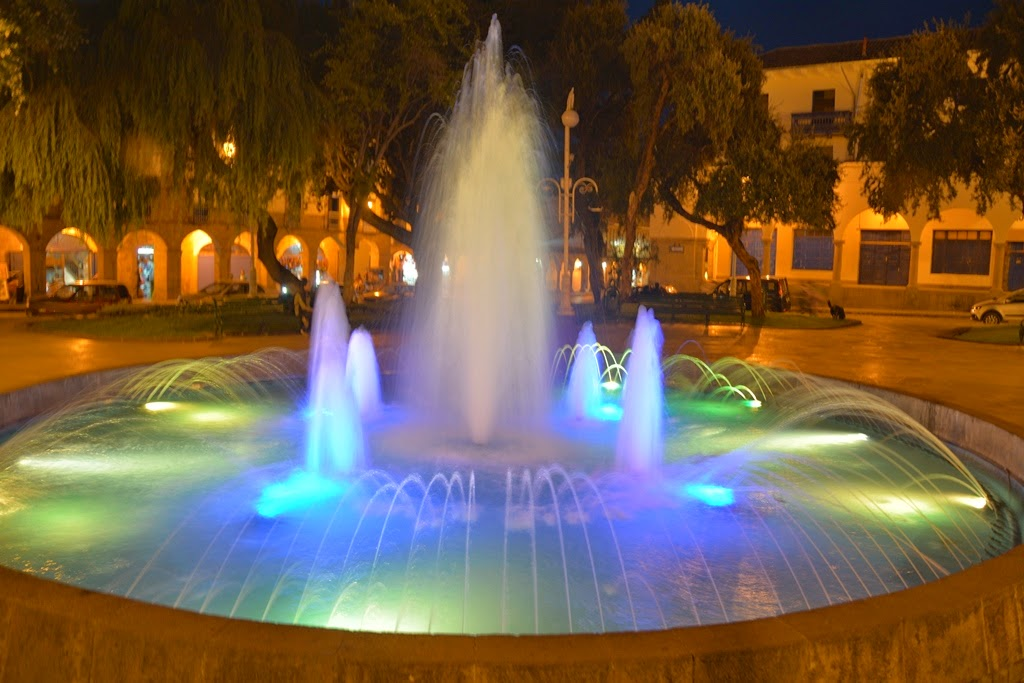 Plaza de Armas Cusco by night fountain
