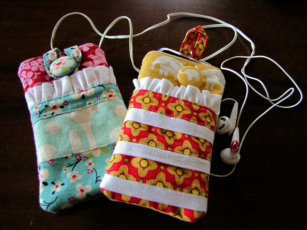 iPod Pouches by Kirsten at Gemini Stitches