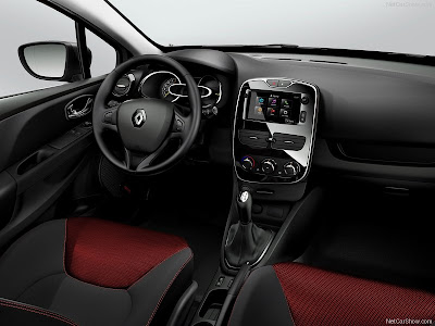 interior_Renault-Clio_2013_800x600_wallpaper_20
