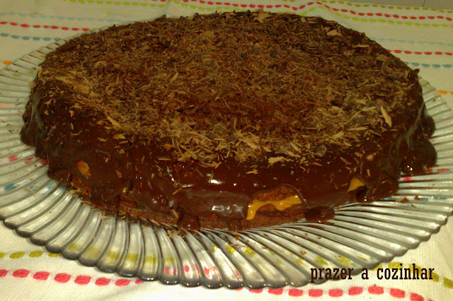prazer a cozinhar - bolo de chocolate com leite condensado