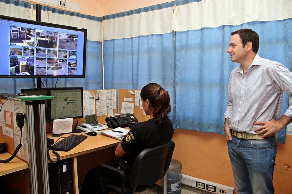 El subsecretario Hernán Ore visitó el centro de monitoreo de las cámaras de seguridad