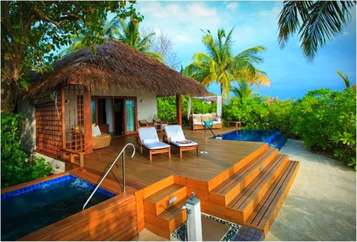 Most beautiful resorts in the maldives for Small luxury beach hotels