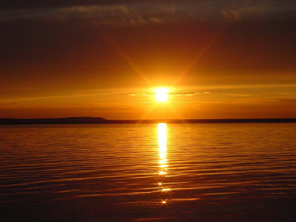 http://4.bp.blogspot.com/-5OZwAb0aP7E/T3xbi4S-j_I/AAAAAAAACUE/QSVqKOEbNaM/s1600/serena+glorious+sunset+Wallpaper__yvt2.jpg