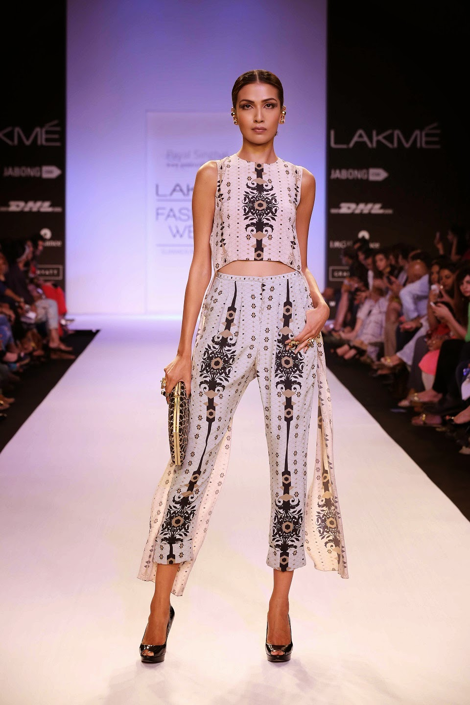 "Inspired by French Moroccan culture and architecture, the collection called ""Lady Sahara"" by Payal Singhal was homage to Marrakech and the beauty of Islamic culture at Lakmé Fashion Week Summer/Resort 2014."