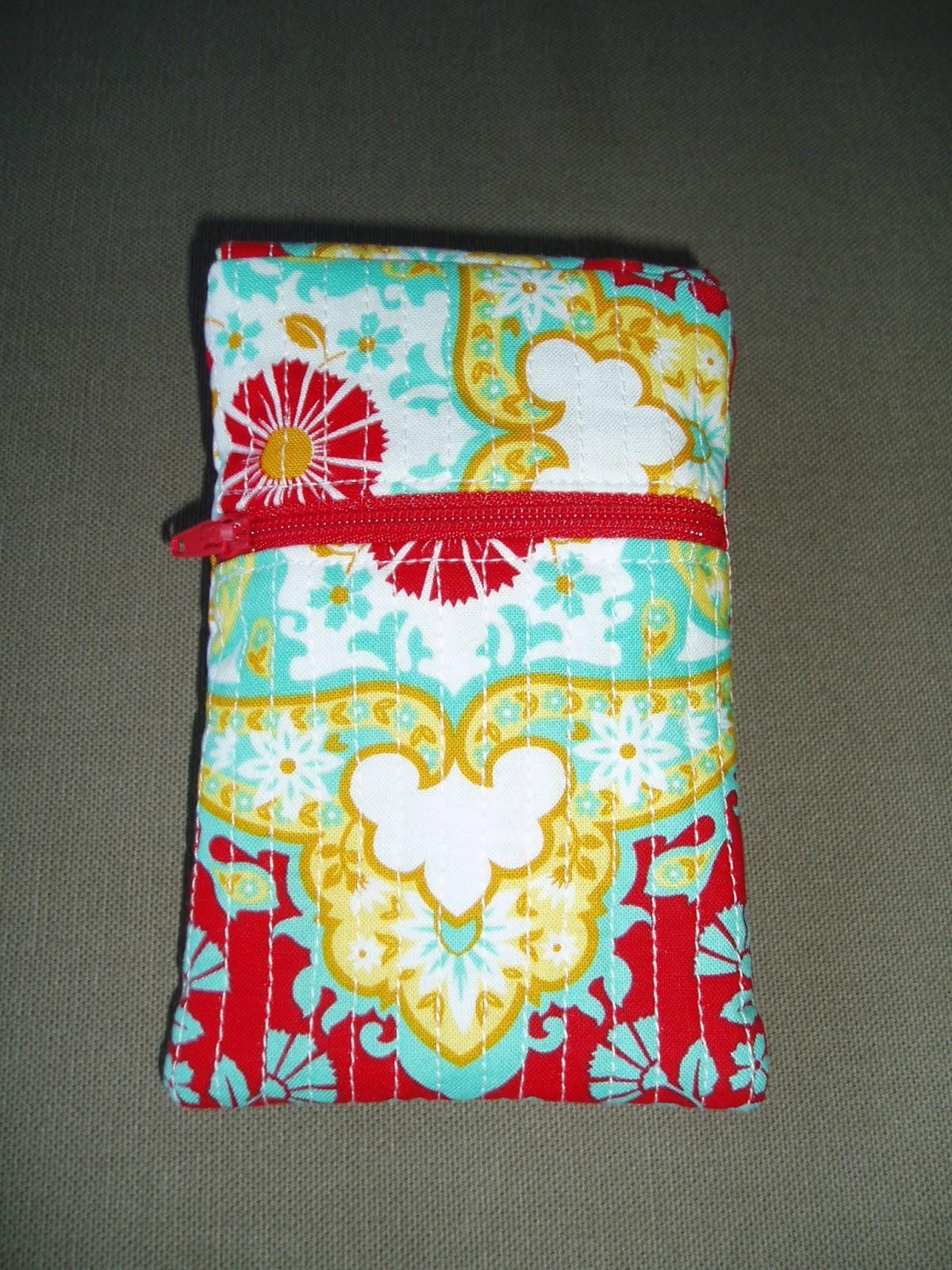 tissus hilos crafts pochette housse pour t l phone. Black Bedroom Furniture Sets. Home Design Ideas