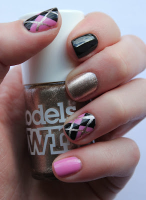 Black and Pink Argyle Nails