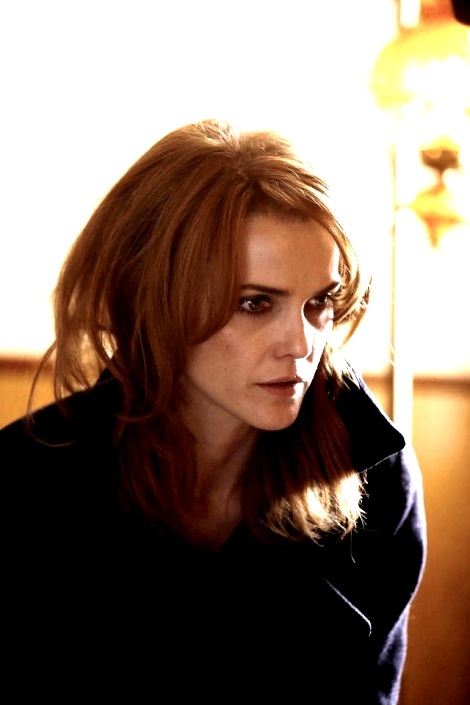 Keri Russell with red hair in The Americans