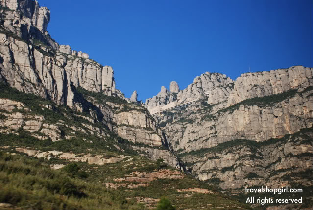 montserrat spain how to get there