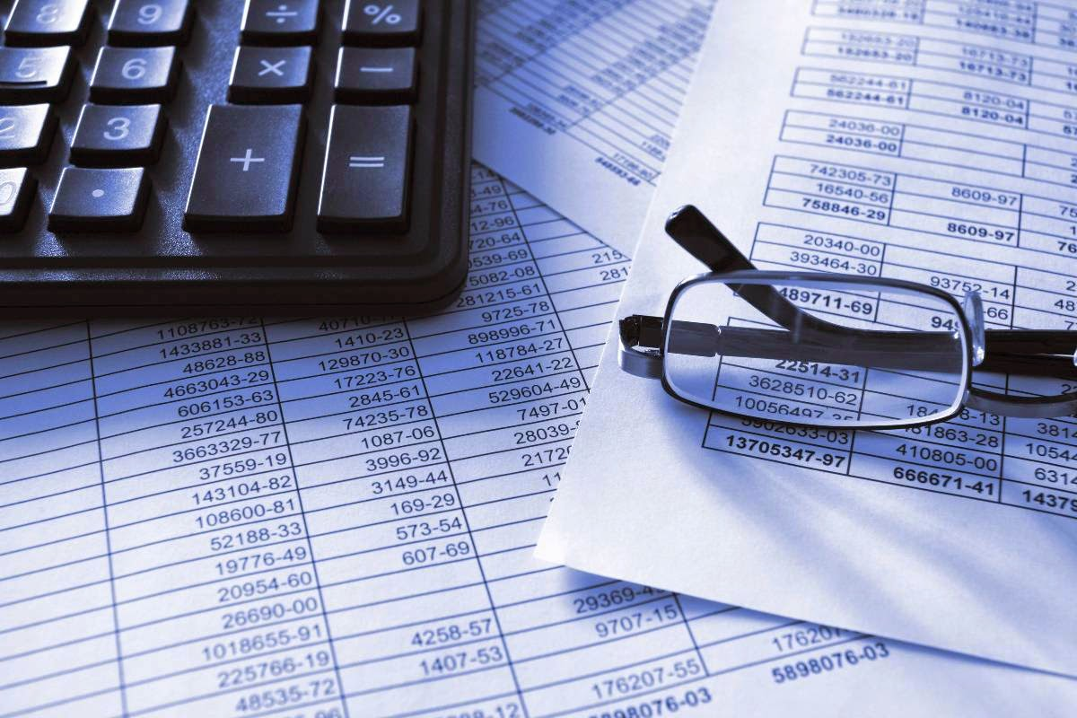 What are independent auditors?