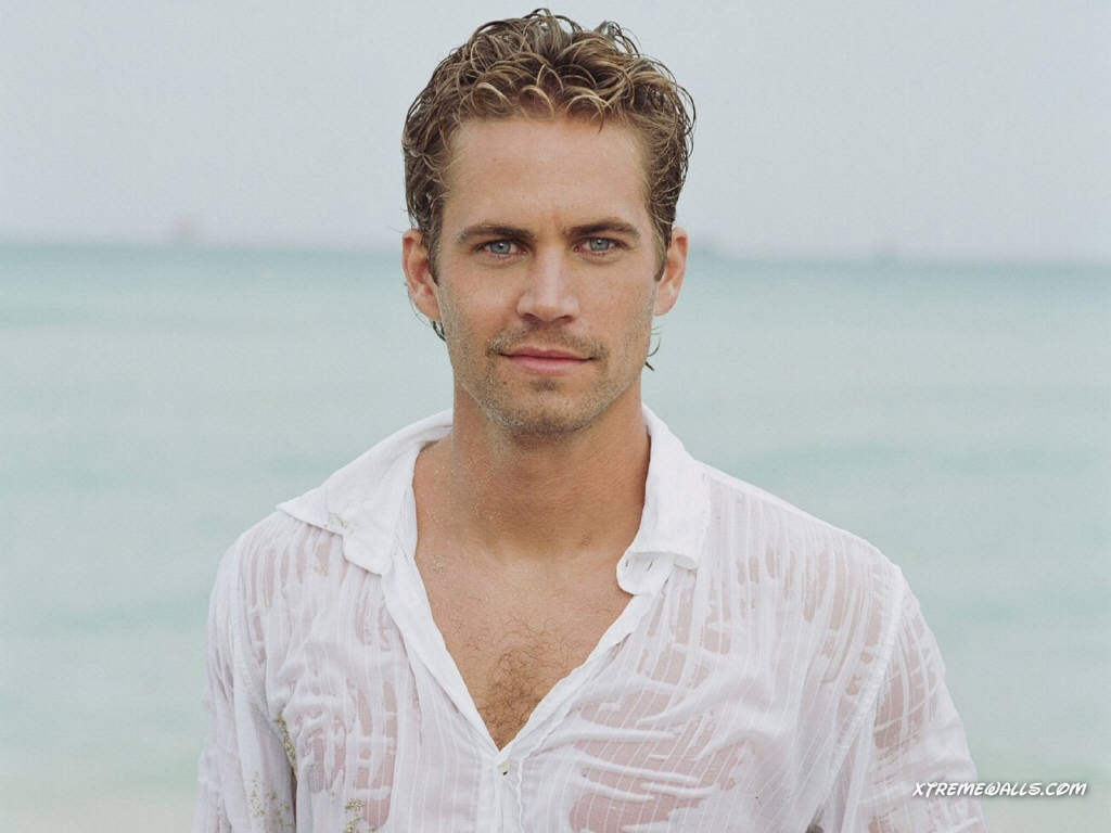 http://4.bp.blogspot.com/-5P60XGOJLBI/TzKZJaVaQVI/AAAAAAAABKc/IeeZgMLtMek/s1600/paul-walker-background-11-769113.jpg
