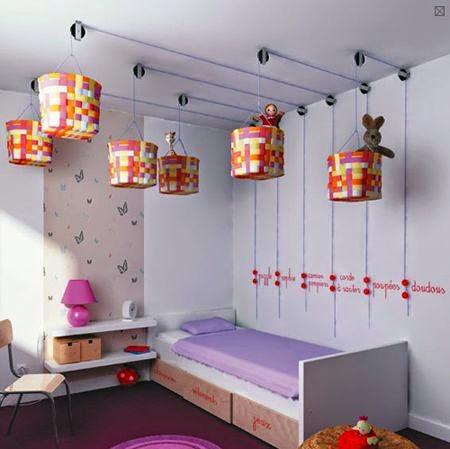 cestos para juguetes sujetos a techo con poleas