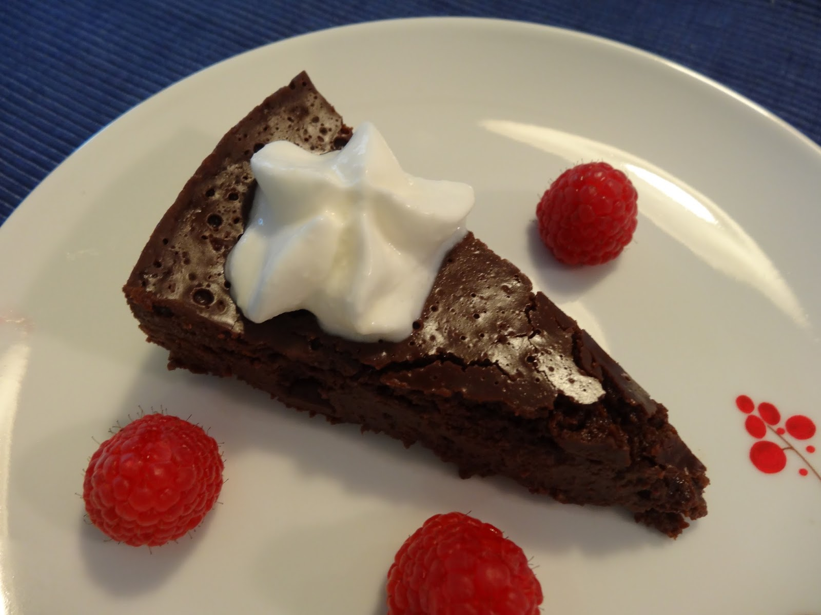 The Fanciful Fig: Flourless Chocolate Cake