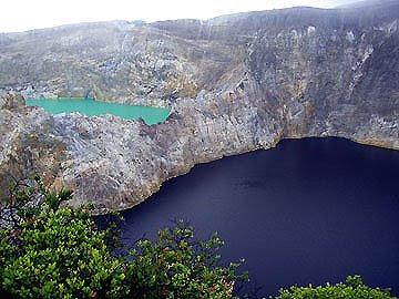 Three color lakes, danau tiga warna