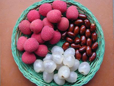 http://4.bp.blogspot.com/-5PWoT5z7bmg/T8IJh8dWJ1I/AAAAAAAAAWE/_6yAme113Pc/s1600/brewster_lychee_fruit1.jpg