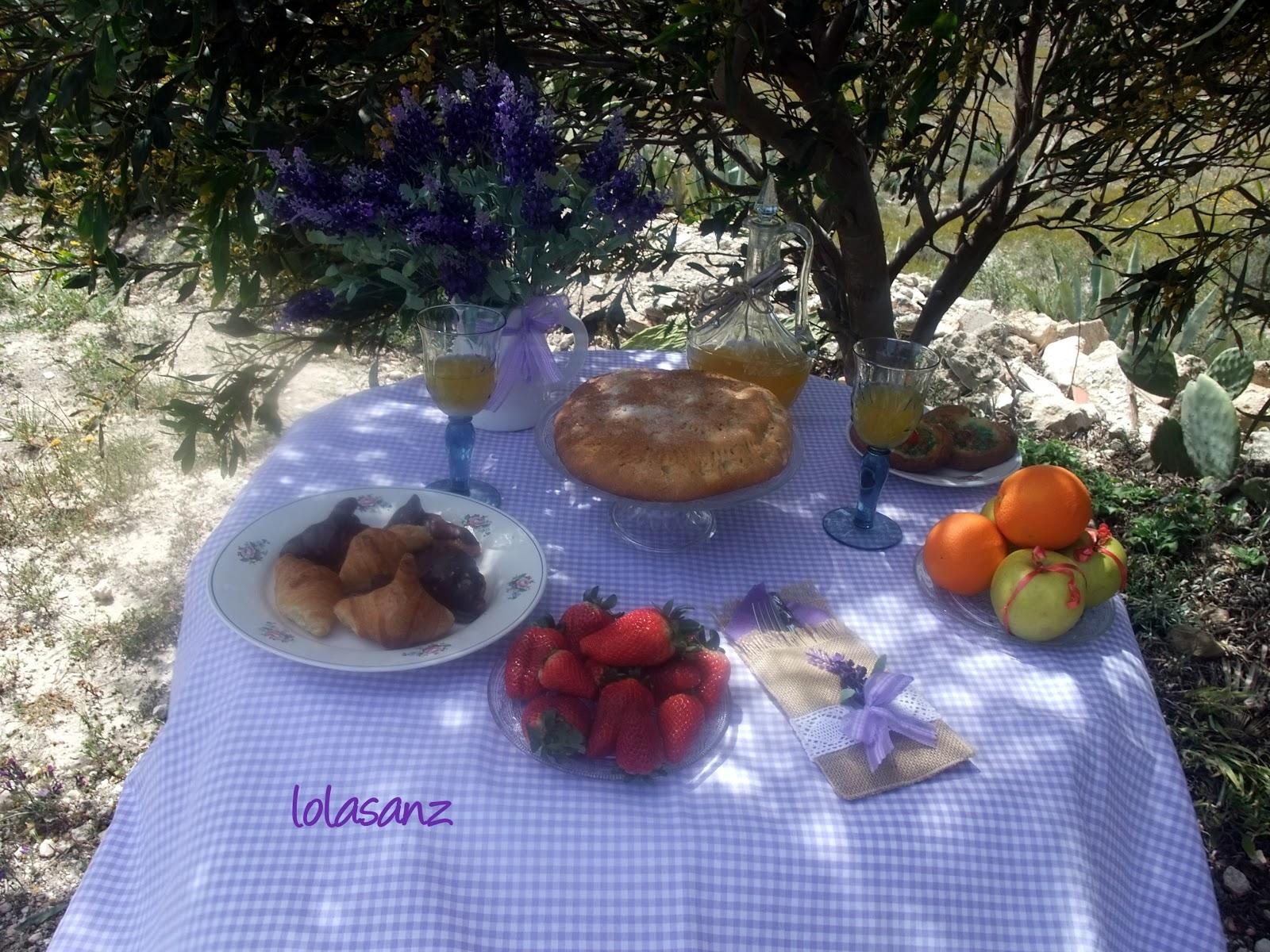 Lolasanz mesa para un desayuno rom ntico - Preparar desayuno romantico ...