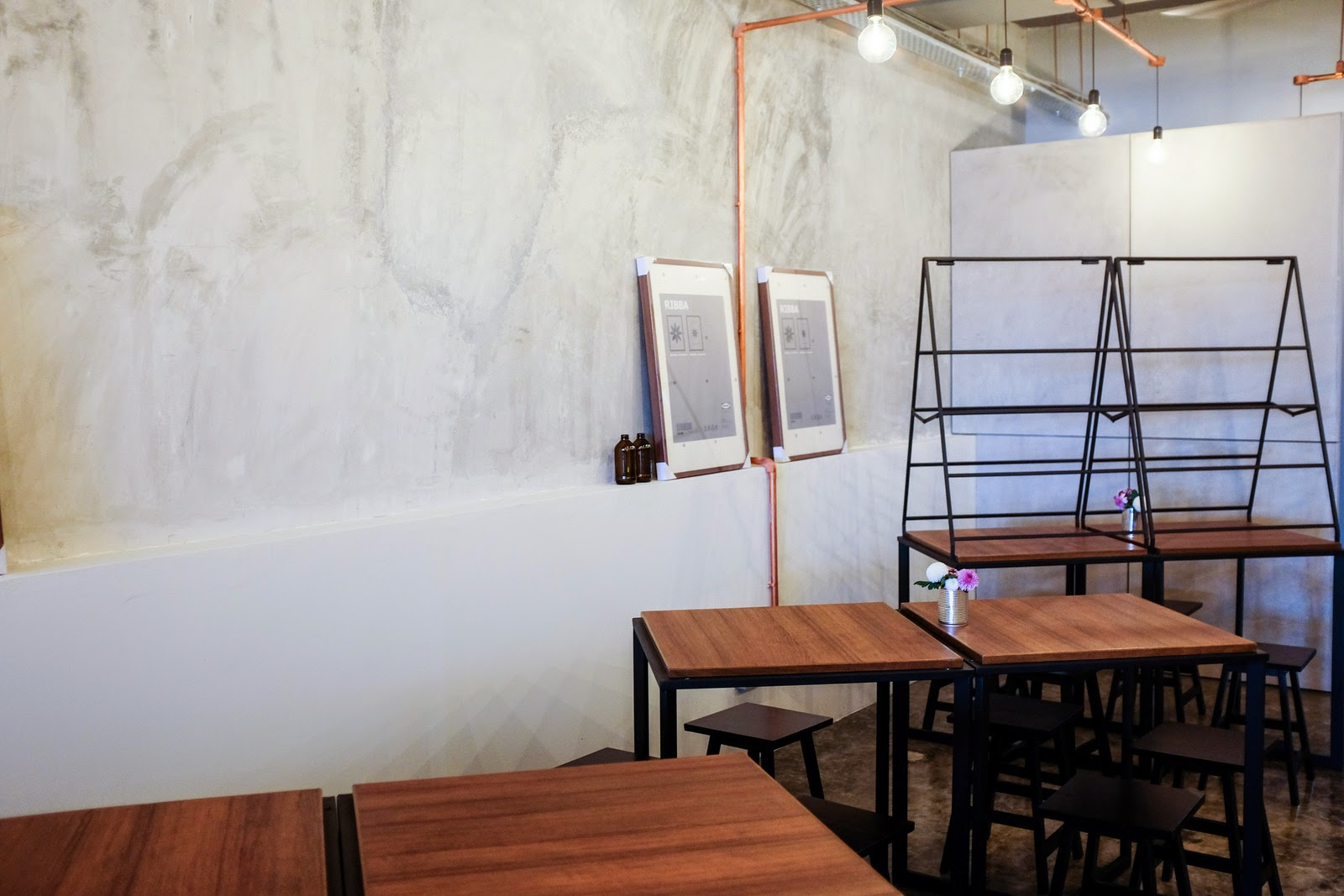 Italian Restaurants Near Bna