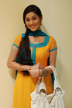 Spicy Mix: Soumya Seth- Navya wallpapers