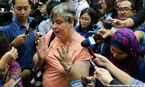 Waris MH370 Marah Disuruh Tonton Sidang Media Melalui TV