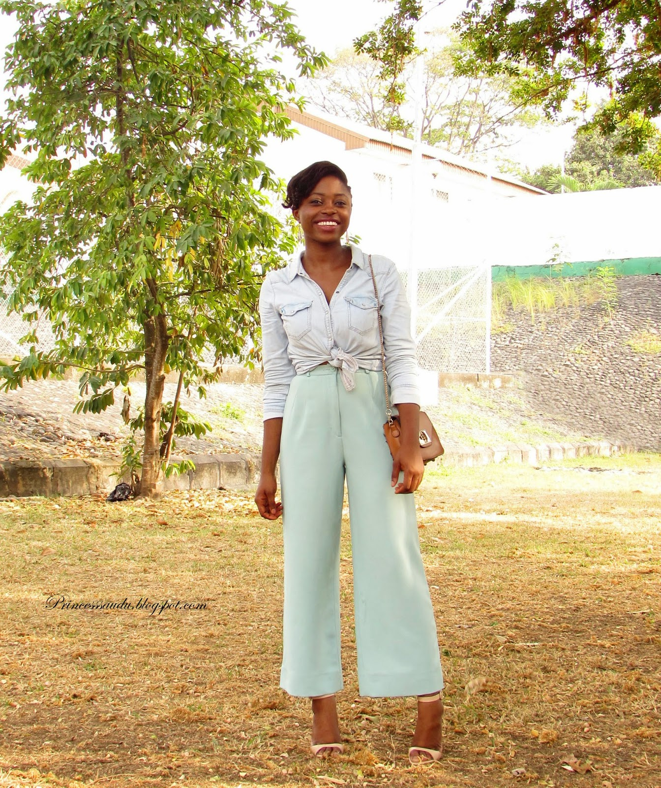 pastels, flared pants, high-waist, zara, nude sandals, denim shirt