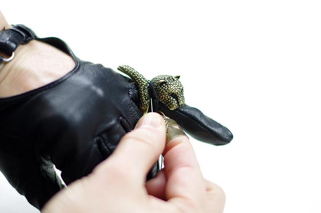 DIY Faux Rings Gloves {via www.fashionrolla.com}