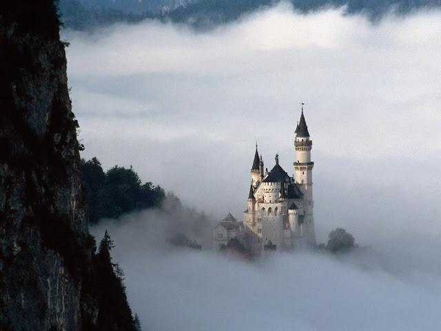 bulut arası şato