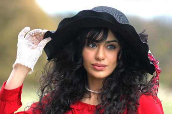 Desi Hot Indians Actress Photos: Adah Sharma Hot Photos ... Adah Sharma In Phhir