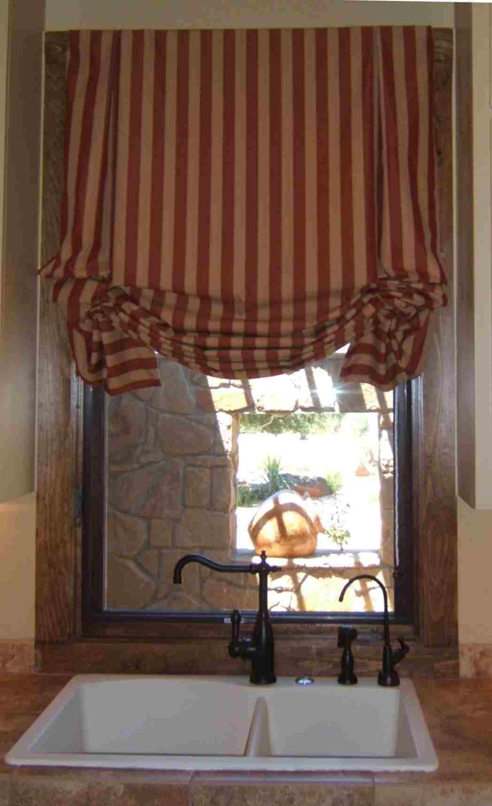 Balloon valves pictures balloon roman shades for Roman shades and curtains