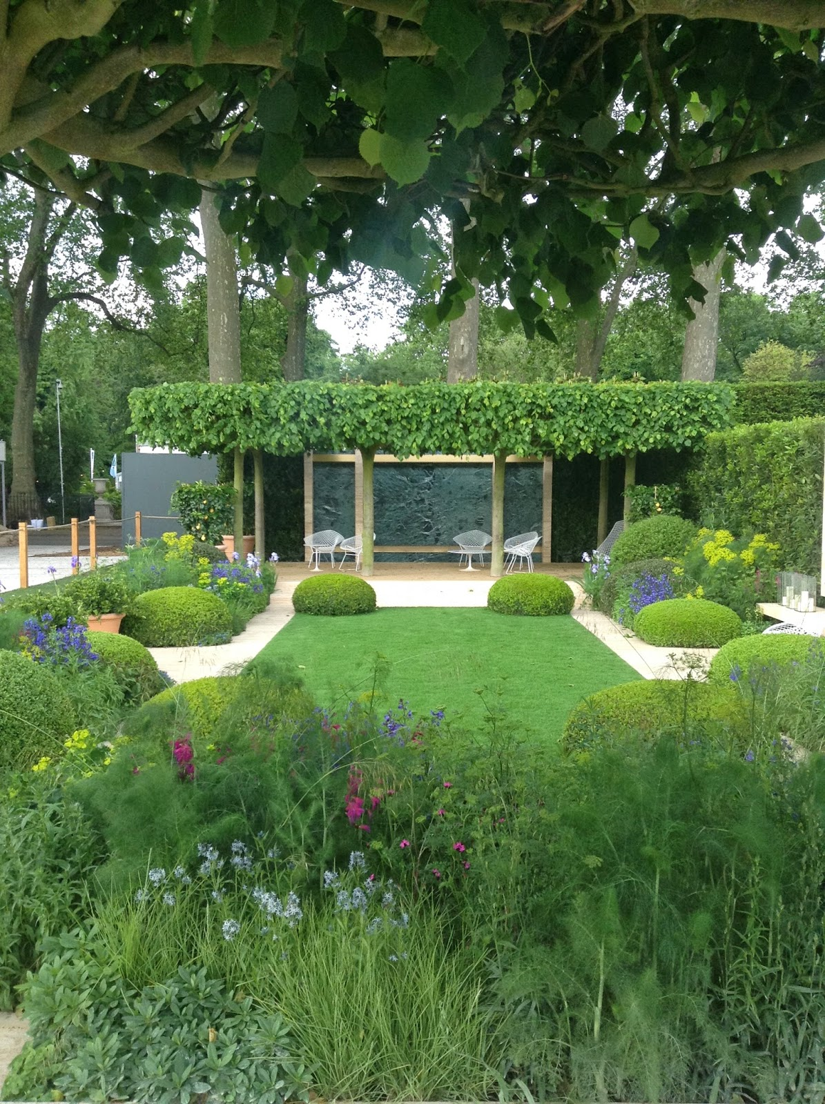 RHS Chelsea Flower Show 2014 - Tommaso Del Buono & Paul Gazerwits's Telegraph Garden - Gold Medal - Photo by Noemi Mercurelli