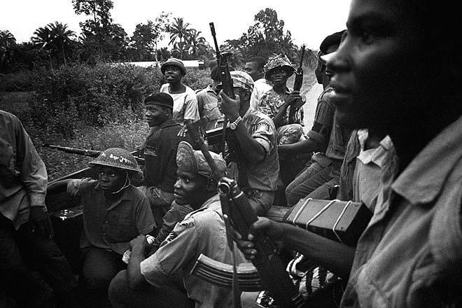 "nigeria history the biafra midwest invasion Biafra: the untold story of nigeria's civil war early in the morning of 1 july 1967, nigeria""s young head of state, colonel yakubu gowon, was feeling uneasy in his office at the supreme headquarters, dodan barracks in lagos."