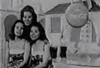 Primeiros comerciais da Coca-Cola em 1950. Muita musicalidade e dança na campanha.