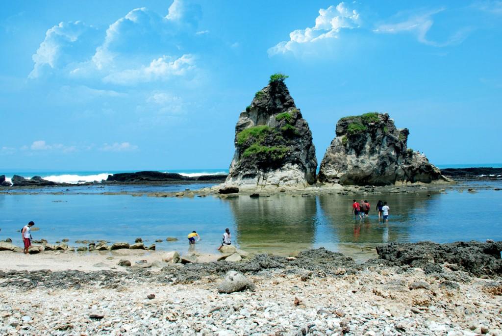 Tempat Wisata Pantai Sawarna Banten