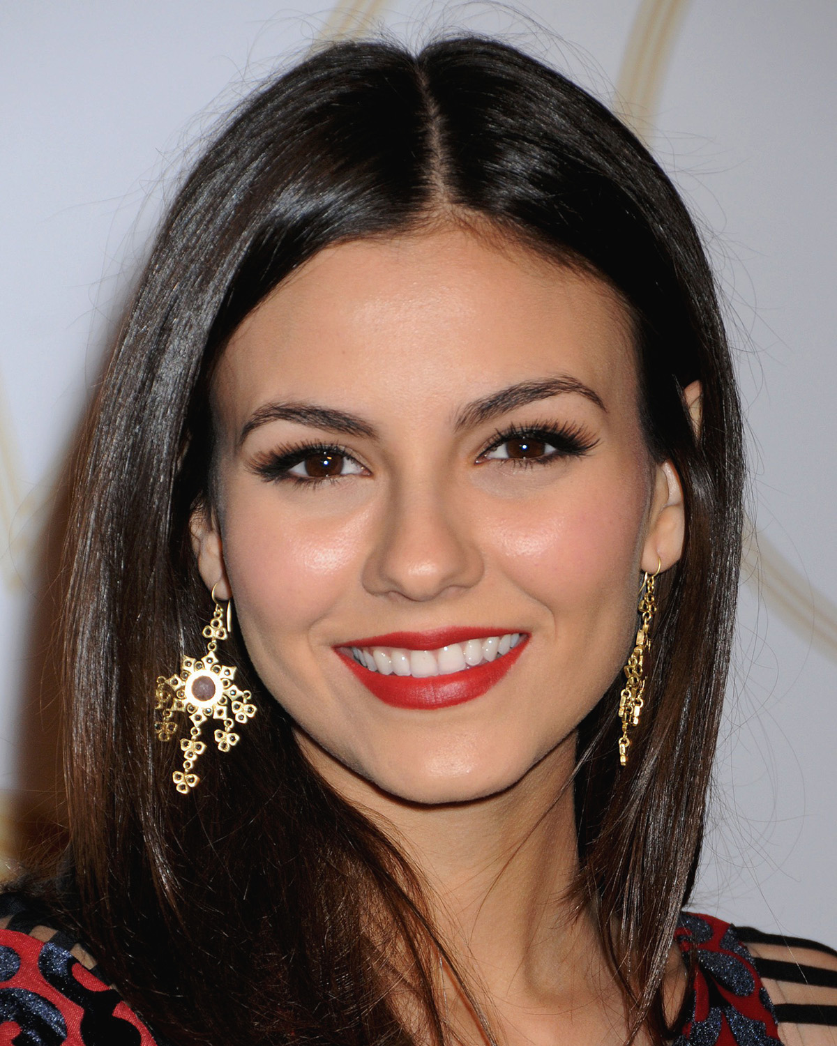 My Cum Your Lips: Lips # 37 - Victoria Justice - April 2013