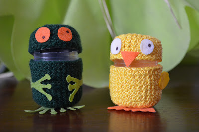 amigurumi huevo kinder - rana y pollo