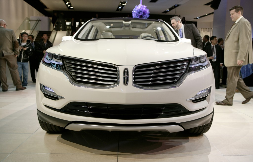 Auto CarGo Transport: Features of Lincoln MKC Concept Car