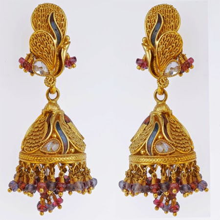 Model Women Have A Lot Of Options For A Traditional Gathering, Women Bring Out Their Sarees, Salwar Suits, Lehenga Choli And Other Traditional Attire, Which They Team Up With Exquisite Designs Of Gold Jewellery  Hoops Or Chandelier Earrings,
