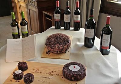 Quesos artesanos producidos con hollejos del vino